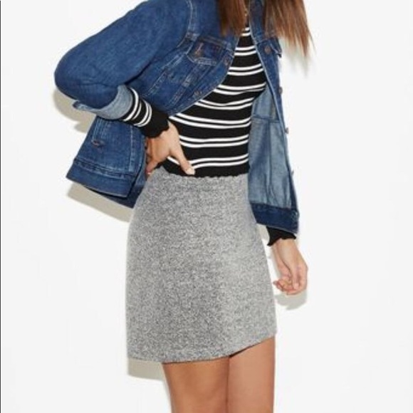 Kendall & Kylie Dresses & Skirts - Kendall & Kylie • Grey Mini Skirt